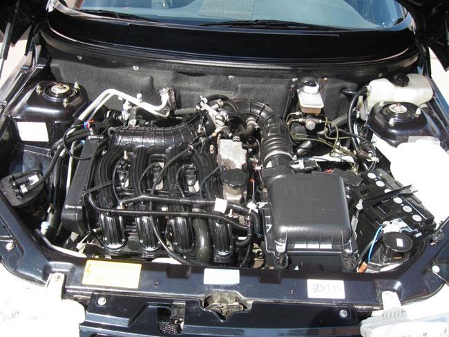 Чистый двигатель автомобиля