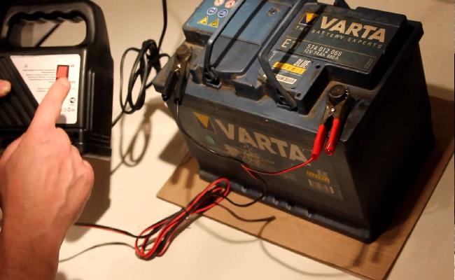 как зарядить аккумулятор автомобиля зарядным устройством