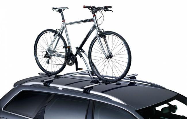 Перевозка велосипеда на крыше автомобиля