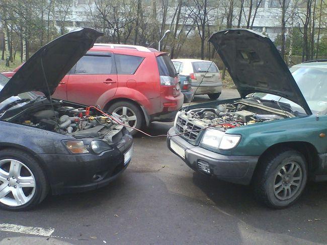 две машины на прикуревателе