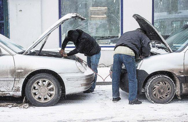 Как прикурить аккумулятор от другой машины без вреда для обоих автомобилей