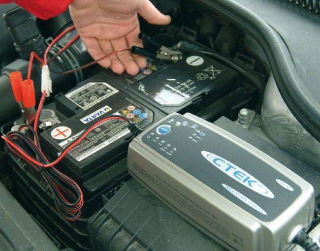 Время зарядки аккумулятора и факторы, которые на нее влияют