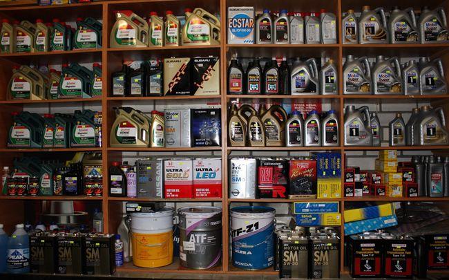 Чем отличается синтетические масло от полусинтетического?