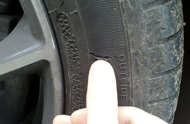 Как отремонтировать боковой порез шины своими руками?
