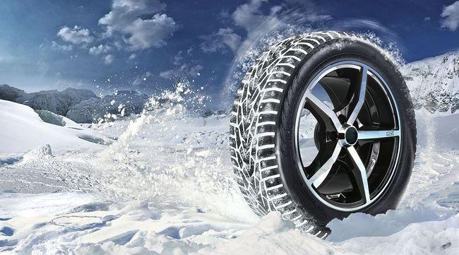 Зимняя шина на снегу