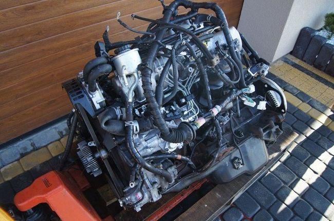 Снятый двигатель