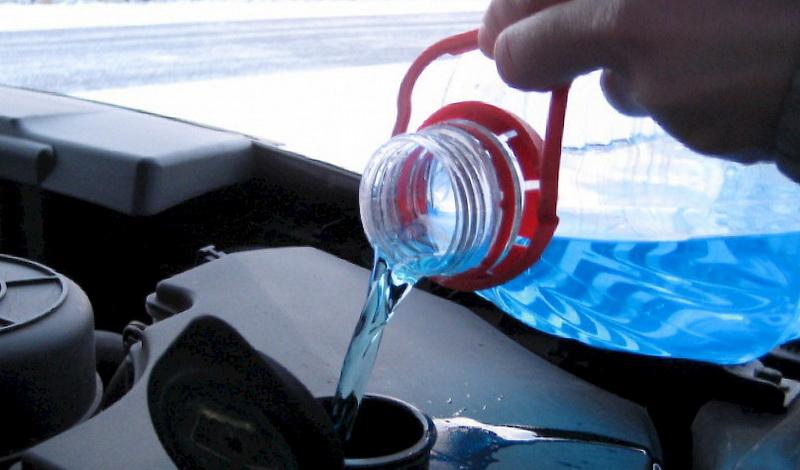 Что и как правильно долить в автомобильный аккумулятор