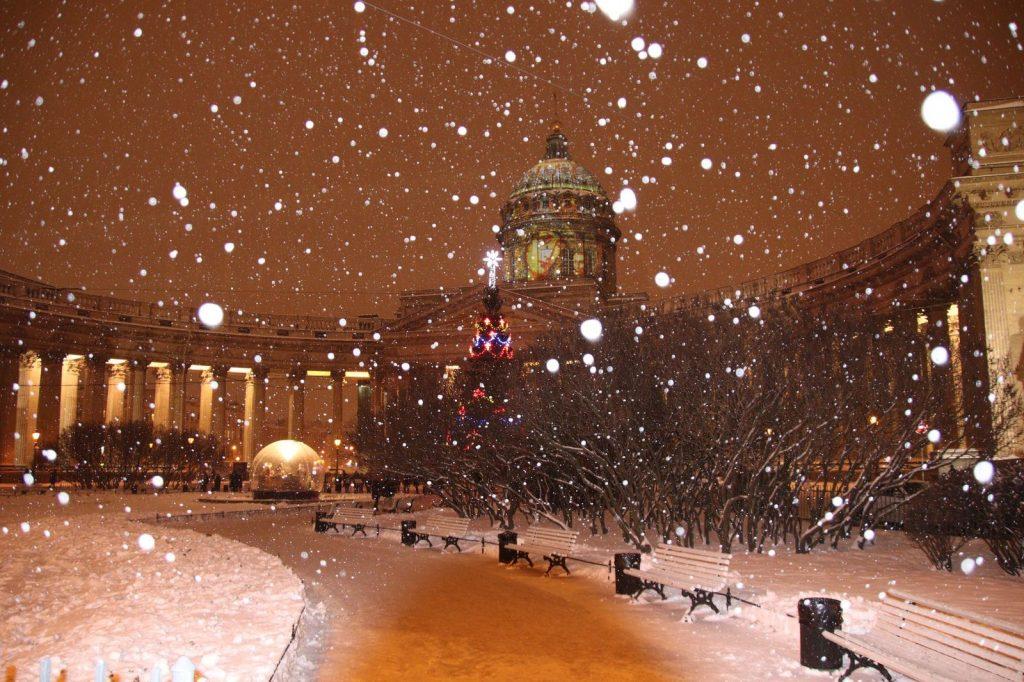 поехать в Петербург на новый год