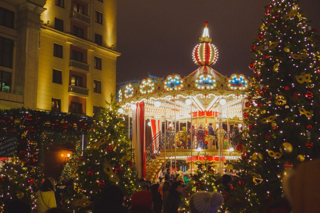 поехать в Москву на Новый год